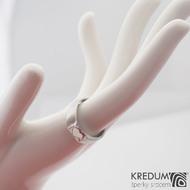 Siona se srdíčkem - voda - Zásnubní nebo snubní prsten damasteel