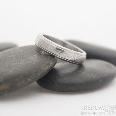 Kasiopea Steel - 50, šířka 4,3 mm, tloušťka 1,8 mm, dřevo lept 75% světlý, profil B - Damasteel snubní prsten, sk2452 (4)