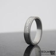 Kasiopea steel - 60 4,5 1,5 75% světlý - damasteel snubní prstenyk 1044 (4)