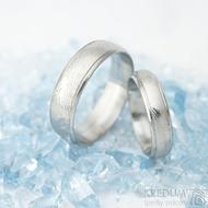 Kasiopea Steel - dřevolept 75% světlý, profil D, velikost 49, šířka 4,5 mm a velikost 62, šířka 6 mm - Snubní prsteny