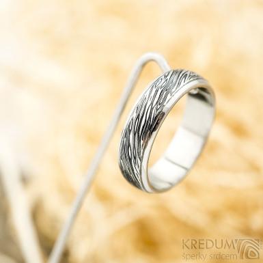 Kasiopea Steel - voda - Kovaný snubní prsten