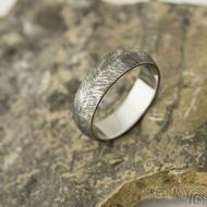 Klásek tmavý - velikost 60, šířka 6 mm, tloušťka 1,5 mm - Kované snubní prsteny - k 2228