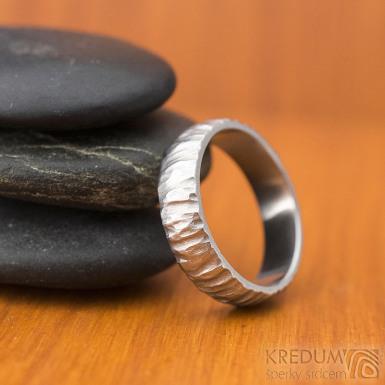 Klasik Bark světlý - kovaný nerezový snubní prsten - SK1870