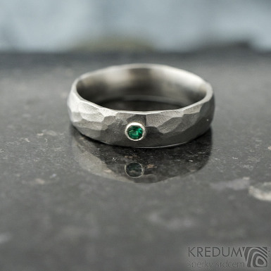Klasik draill a smaragd 2 mm do Ag - velikost 55, šířka 5 mm, tloušťka střední, matný - Nerezové snubní prsteny - k 1867 (5)