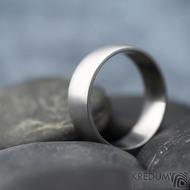 Klasik - matný, vel 64,5, šířka 7 mmm, profil B půlčočka s boční ploškou - Kovaný nerezový snubní prsten - SK1728 (5)