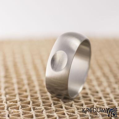 Klasik matný s ozdobou - Kovaný nerezový snubní prsten, S1983