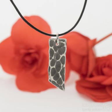 Klimb Draill tmavý - Kovaný přívěsek z nerezové oceli, SK3076