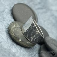 Klín - velikost 62, šířka 6,5 - 16,8 mm, zatmavený - Design nerezový snubní prsten, S2158 (4)