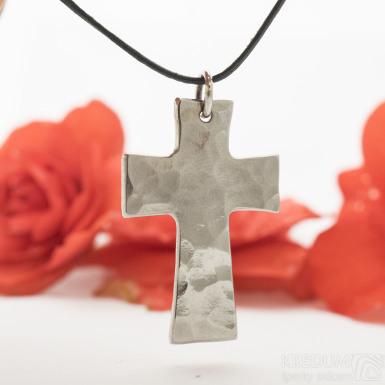 Kovaný křížek s očkem, lesklý - Přívěsek z nerezové oceli - SK3131