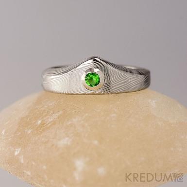 Zásnubní prsten damasteel - Královna a smaragd 2,5 mm ve stříbře - dřevo