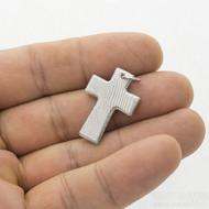 Křížek damasteel - dřevo - lept světlý, s očkem