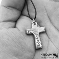 Křížek damasteel dřevo tmavé s očkem