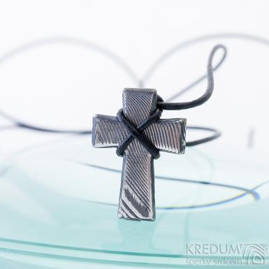 Křížek, dřevo - Přívěsek damasteel, SK2418 (4)