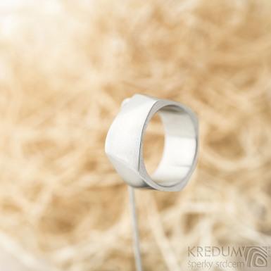 Kumali matný - velikost 64, šířka 11 mm, tloušťka 1,7 mm - Nerezové snubní prsteny, SK1289 (4)