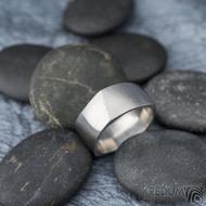 Kumali nerez -velikost 67 CF, šířka 10,6 mm, tloušťka 1,8 mm, mat - Kovaný nerezový snubní prsten, SK1291 (4)
