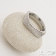 Kumali voda - 51, šířka 5,5 mm, lept 75% světlý, výrazný CF - Damasteel prsten - fl 3962685