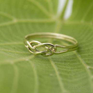 Kuplung Yellow, velikost 56 - Zlatý snubní prsten