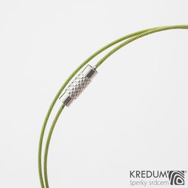 Zelené nylonové lanko s ocelovou strunou - šroubovací uzávěr