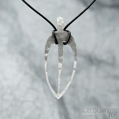Layout long leaf white - Kovaný přívěsek z nerezové oceli