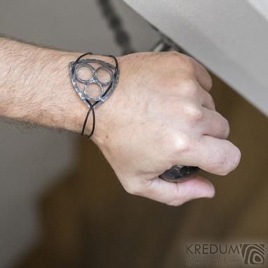 Layout three black - Kožený náramek s kovanou ozdobou