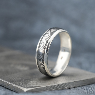 Luna - dřevo - Stříbrné snubní prsteny a damasteel - 53, šířka 5,5, tloušťka 1,6 mm, lept 100% TM, B - S1355 (5)