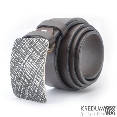 Kovaná nerez spona Mistr 4X - Mřížka a tmavě hnědý kožený pásek