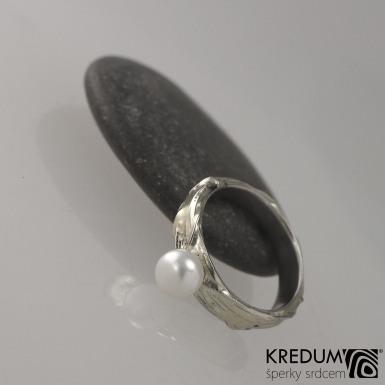 Gordik a perla - Motaný snubní prsten nerezový
