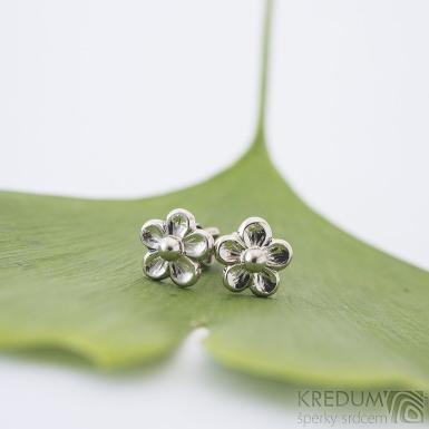 Flower 7,5 mm - Náušnice z bílého zlata