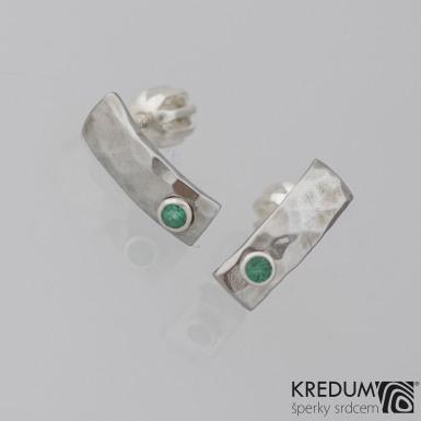 Moon Draill a zelený zirkon ve stříbře - Kované nerezové náušnice