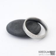 Prima - 64,5 CF, šířka 5 mm, tloušťka 1,7 mm, profil F, 50% světlý - Damasteel snubní prsteny sk1296 (2)