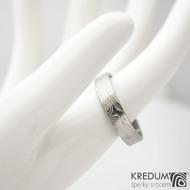 Prima - 64,5 CF, šířka 5 mm, tloušťka 1,7 mm, profil F, 50% světlý - Damasteel snubní prsteny sk1296 (4)