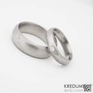 Prima a diamant 2 mm - kovaný damasteel prsten - lept 50% světlý
