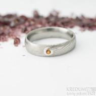 Prima a ohnivý granát do Ag - vel 50, š 4,5 mm, tl. 1,6 mm, dřevo - lept 75% SV, profil E - Damasteel snubní prsteny - sk2060 (5)