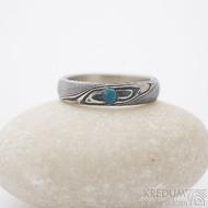 Snubní nebo zásnubní prsten Prima, struktura dřevo a tyrkys s přírodním povrchem, lept 100 - tmavý; profil B; velikost 51, šířka 4 mm