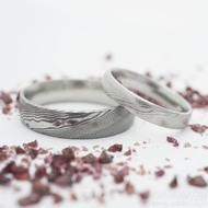 Prima, dřevo - 57, šířka 4 mm, 75 SV, D a 70, šířka 6 mm, 75 TM, D - Kované snubní prsteny damasteel