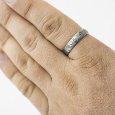 Prima - dřevo, tmavé - Snubní prsten damasteel, produkt SK3218