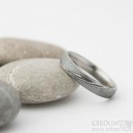 Prima, dřevo - velikost 53, šířka 3,7 mm, tlouš%tka 1,5 mm, lept 75% zatmavený, matný, profil E - Kované snubní prsteny - sk2211 (3)