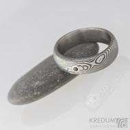Zásnubní prsten damasteel - Prima a broušený kámen vel. do 2 mm ve stříbře, dřevo - broušený granát
