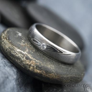Prima line a diamant 2 mm - 53, šířka 4,5 mm, tl 1,4 mm, dřevo, 75TM, B - Damasteel snubní prsteny - k 1267 (5)