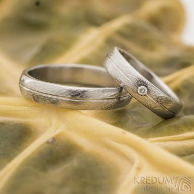 Prima s linou a diamant 2 mm - vel 52 a 66, oba šířka 4,5 mm, voda lept 50% SV, profil B - Damasteel snubní prsteny
