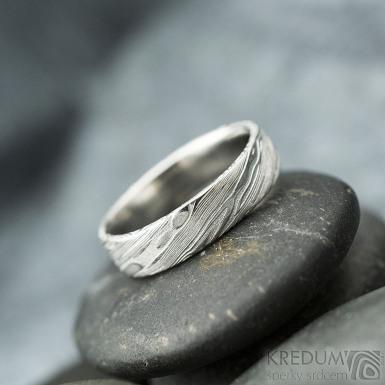 Prima - voda, velikost 48, šířka 4,4 mm, tloušťka 1,3 mm, lept 75% světlý, profil F - Damasteel snubní prsteny - sk2141 (5)