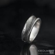 PRAMEN - Kovaný snubní prsten damasteel ve struktuře dřevo - lept 100%
