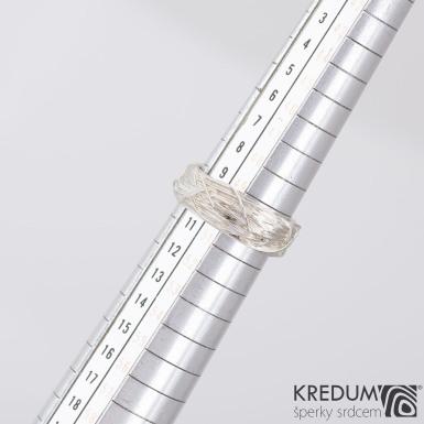 Gordik - Motaný snubní prsten nerezový, velikost 50