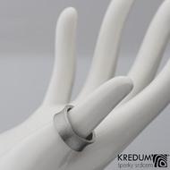 Žlábek hrubý mat - Kovaný nerezový snubní prsten