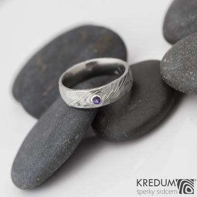prsten natura damasteel ametyst 2,5 mm do stříbra -velikost 52, šířka 5,5 mm - S821 - k 0159