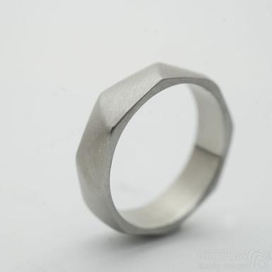 Random matný - velikost 50, šířka 5 mm, tloušťka střední - Broušený snubní prsten z nerezové oceli