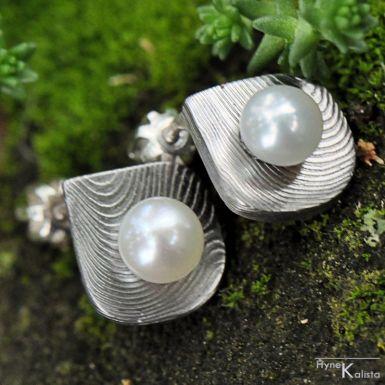 Raníčky - dřevo, světlé - Kované damasteel náušnice a perly