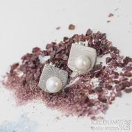 Raníčky - dřevo - Kované damasteel naušnice a perly - SK2474