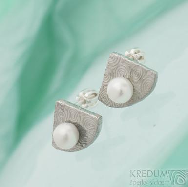 Raníčky - kolečka - světlé - Kované damasteel náušnice a perly