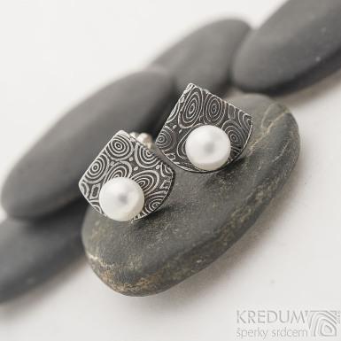 Raníčky - kolečka - zatmavené - Kované damasteel náušnice a perly